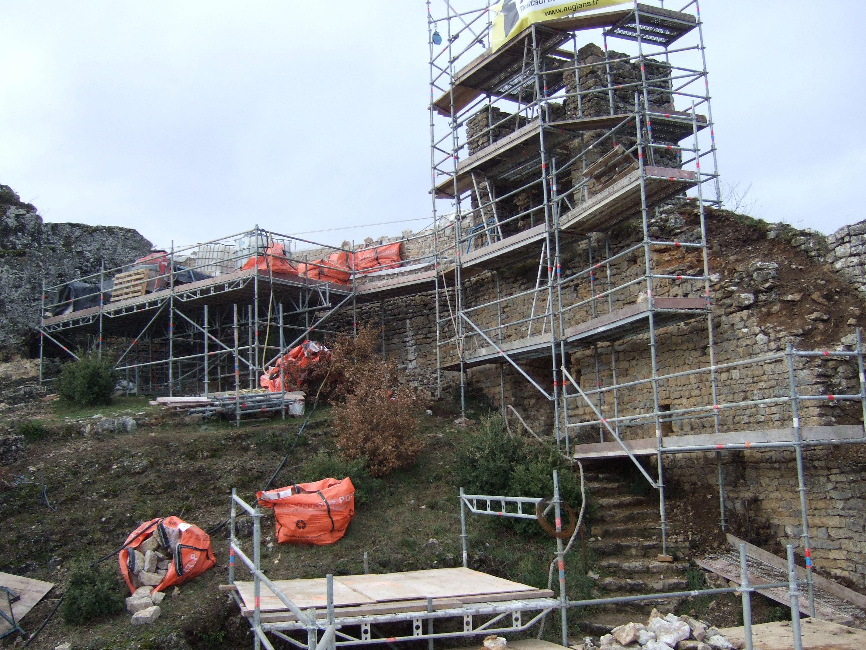 Restauration des remparts du château