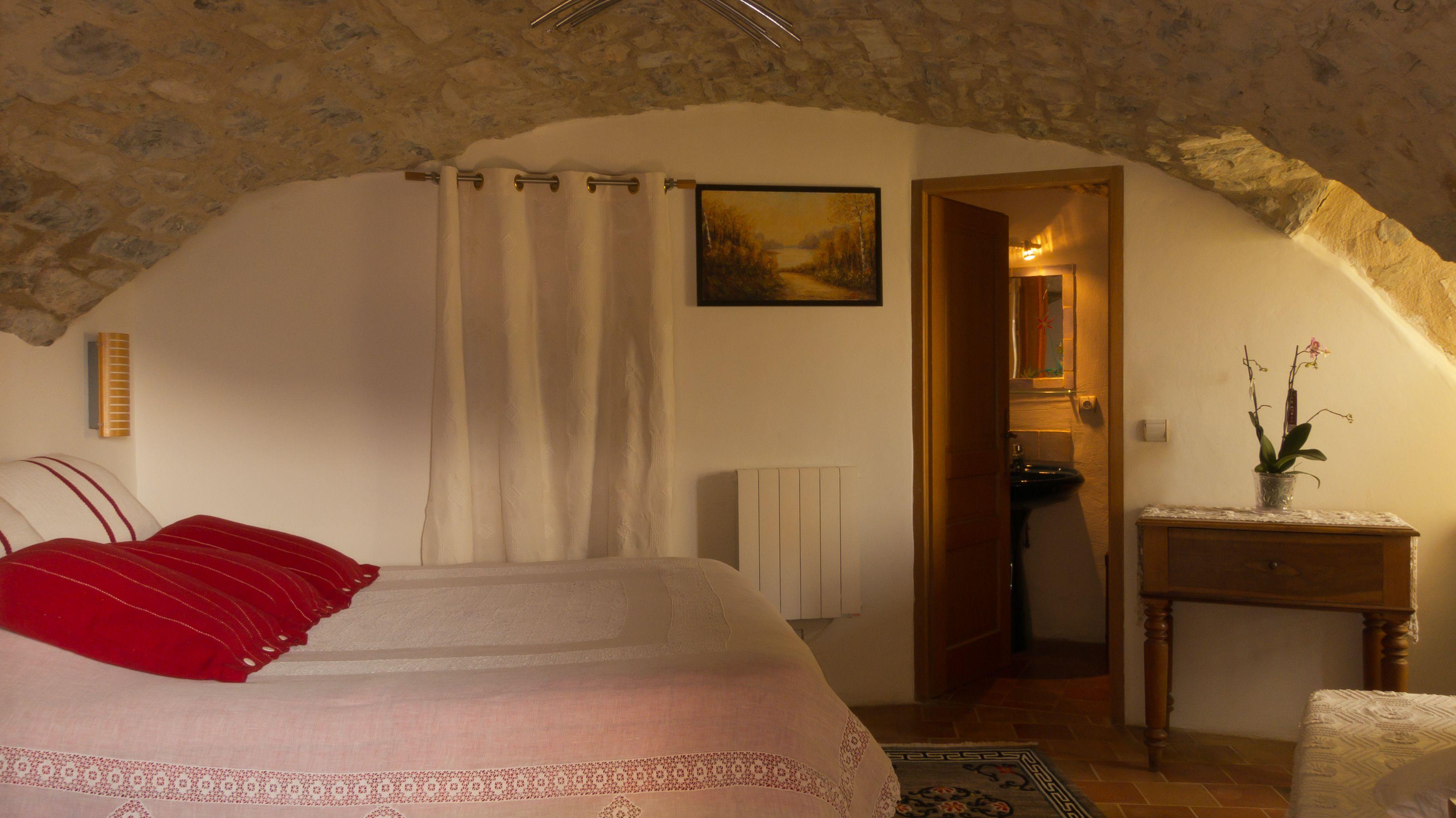 nos chambres d hu00f4tes u00e0 2 pas de millau nos chambres d hotes ont ...