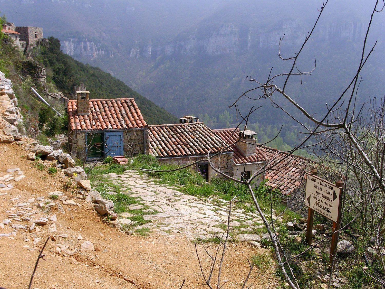 Arrivée sur Namasté - Gîtes dans les Gorges du tarn