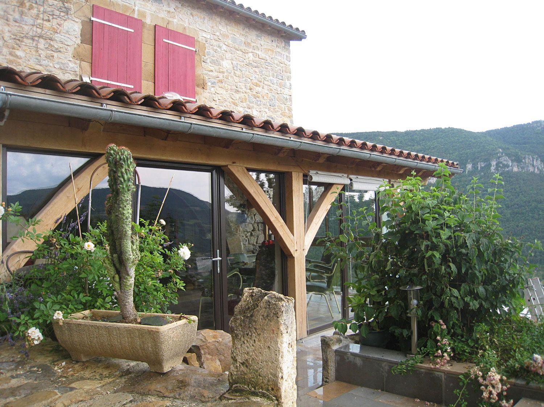 La terrasse - Gites de Peyrelade dans les gorges du tarn