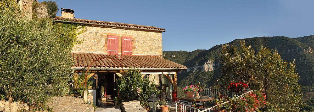 La terrasse avec vue sur la vallée